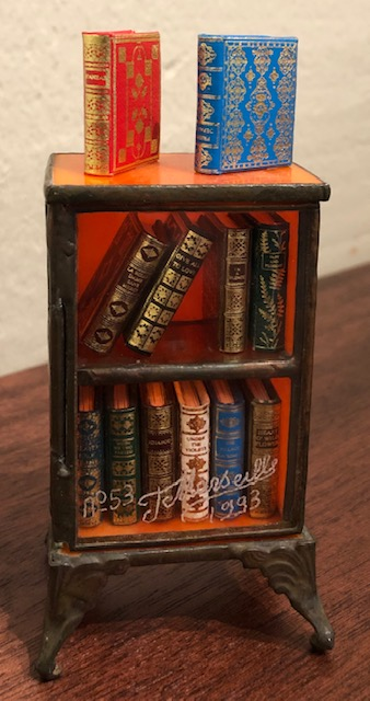 MINIATURE BOOK COLLECTION. Roger Huet, Jacques Marseille.